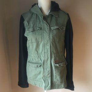 Volcom Army Green Jacket Size XL EUC